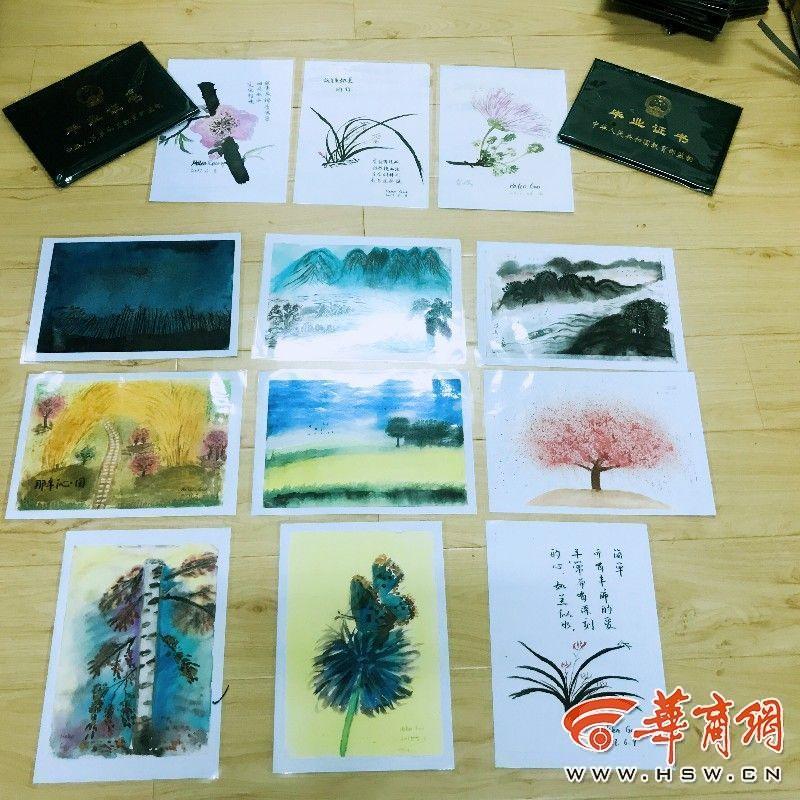 最走心毕业礼物!老师手绘明信片赠134名学生