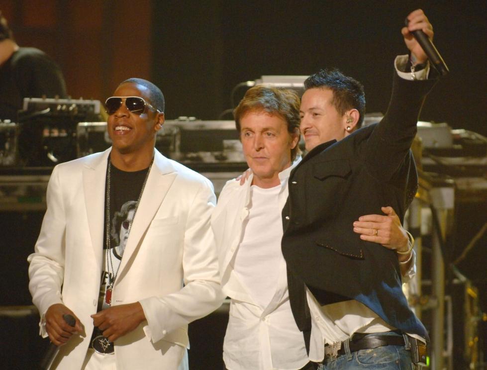 麦卡特尼在第48届格莱美颁奖现场演出.-林肯公园主唱自杀 纪念我