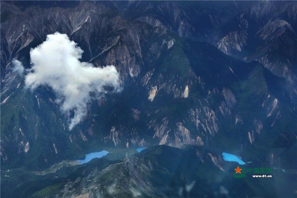 6000米高空俯瞰震后九寨沟风光