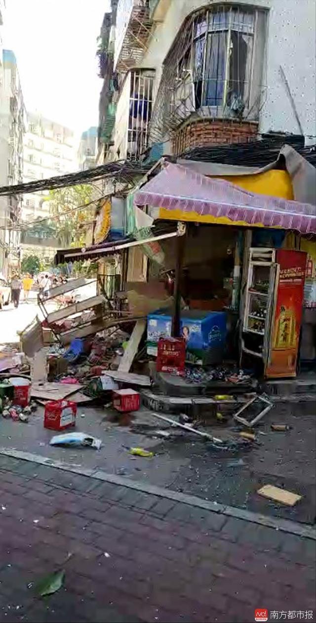 广东珠海一店铺爆炸现场 已致1死7伤