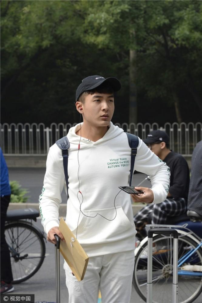 北电新生报道,王俊凯的同学里有这么多艺人和网红啊