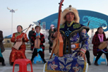 新疆乡村艺术家秀绝技