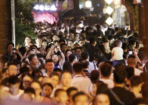 上海警方严控烟花爆竹:45天拘留36人