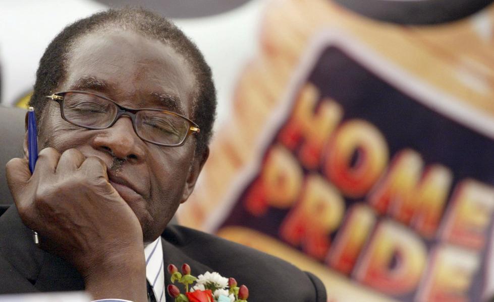 据称穆加贝已被赶下台,其37年来对津巴布韦的统治宣告结束.