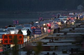 州黄河大桥封闭.jpg