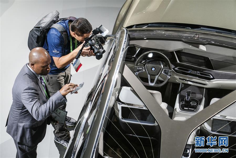 (国际)(1)洛杉矶车展举行媒体预展