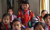 探访广西融水大山里的红瑶女童班