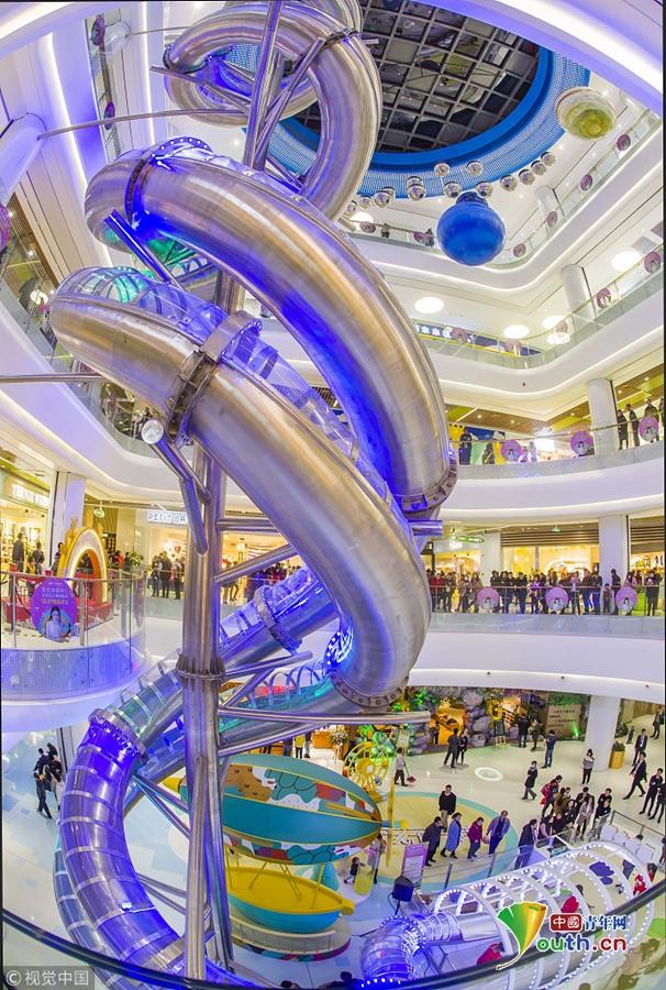 """2017年12月27日,福州首家室内双轨滑梯——""""巨龙滑梯""""在东二环泰禾图片"""