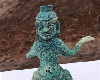 成都发现大型汉晋南北朝崖墓群