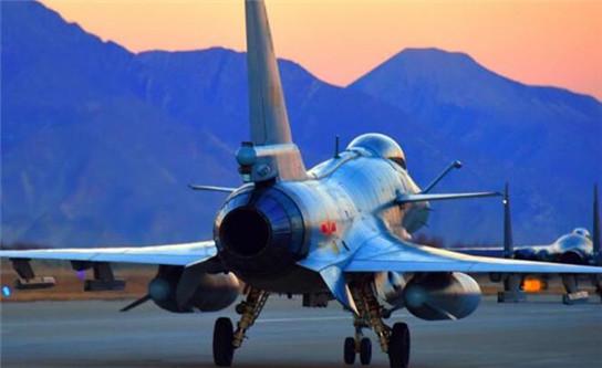 """西部战区空军航空兵对抗训练迎来""""开门红"""""""