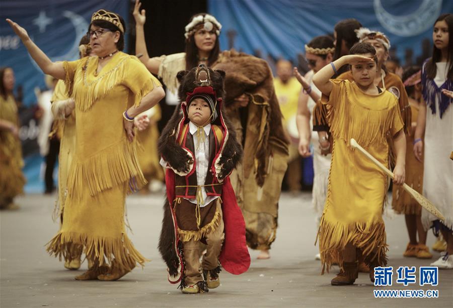 (国际)(2)温哥华原住民举行新年庆祝活动