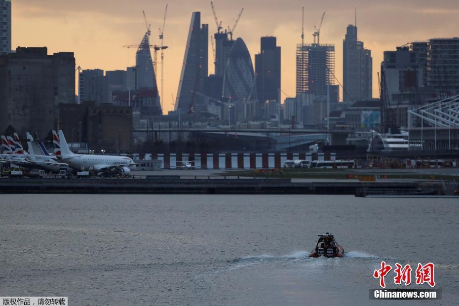 英国泰晤士河发现二战炸弹 伦敦城