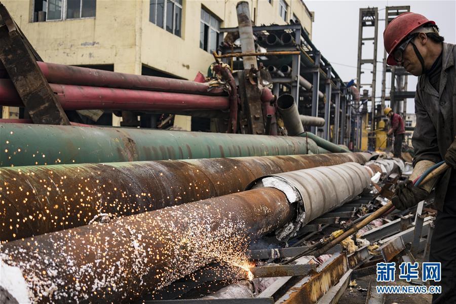 湖北宜昌:拆除沿江化工企业