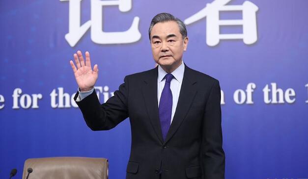 王毅就中国外交政策和对外关系答记者问.jpg