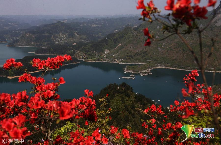 重庆市黔江区小南海风景区是融山,湖,岛,峡诸风光于一体的高山淡水