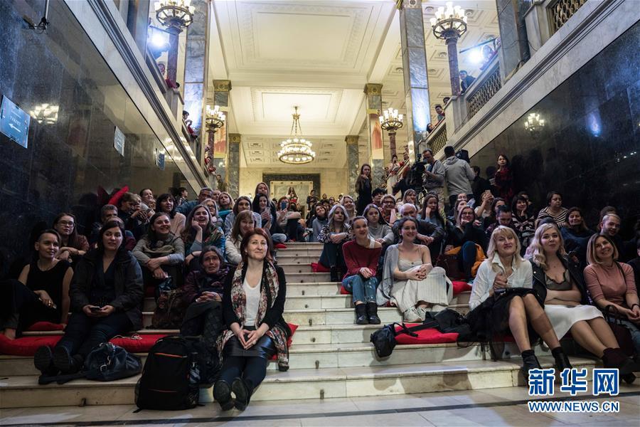 """(国际)(1)俄罗斯举行""""图书馆之夜""""活动"""