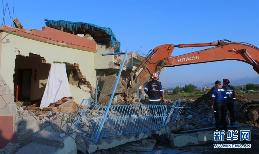 (国际)(1)土耳其5.1级地震已致39人受伤