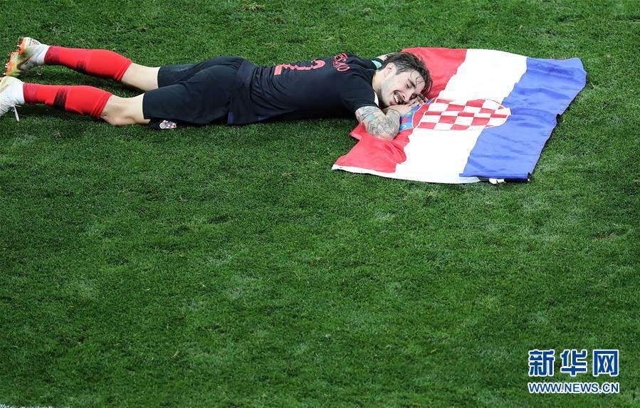 (世界杯)(7)足球——克罗地亚队淘汰英格兰队 首进决赛