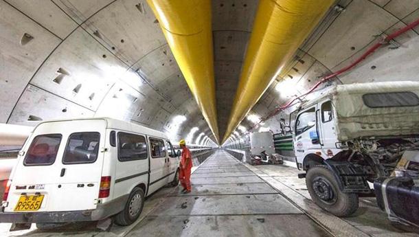 """""""万里长江第一廊""""-全球首条特高压长江隧道贯通.jpg"""