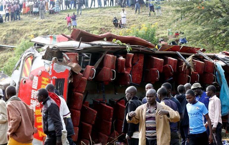 肯尼亚发生严重交通事故 至少50人死亡.jpg