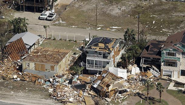 美佛州遇80年最强飓风-航拍灾后景象.jpg