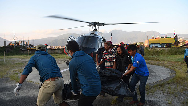 9名登山者在尼泊尔因暴风雪遇难-遗体被找到.jpg