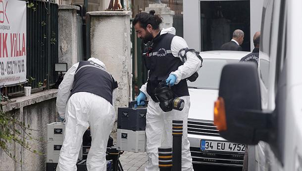 土耳其警察法医再赴沙特领事馆调查记者失踪案.jpg