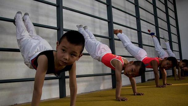 """""""中国体育之乡""""里的童年时光-苦练不只为金牌.jpg"""