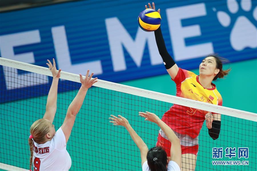 女排小组赛:中国队胜美国队